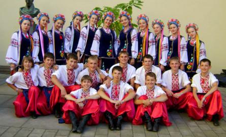 Зразковий ансамбль народного танцю «Волиняночка»