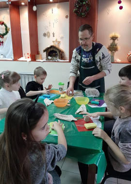 """Благодійні майстер-класи в рамках проєкту """"Різдвяна майстерня"""""""