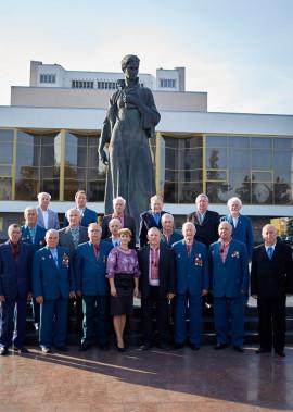 """Народному аматорському чоловічому хору ветеранів війни і праці """"Подвиг"""" - 40 років!"""